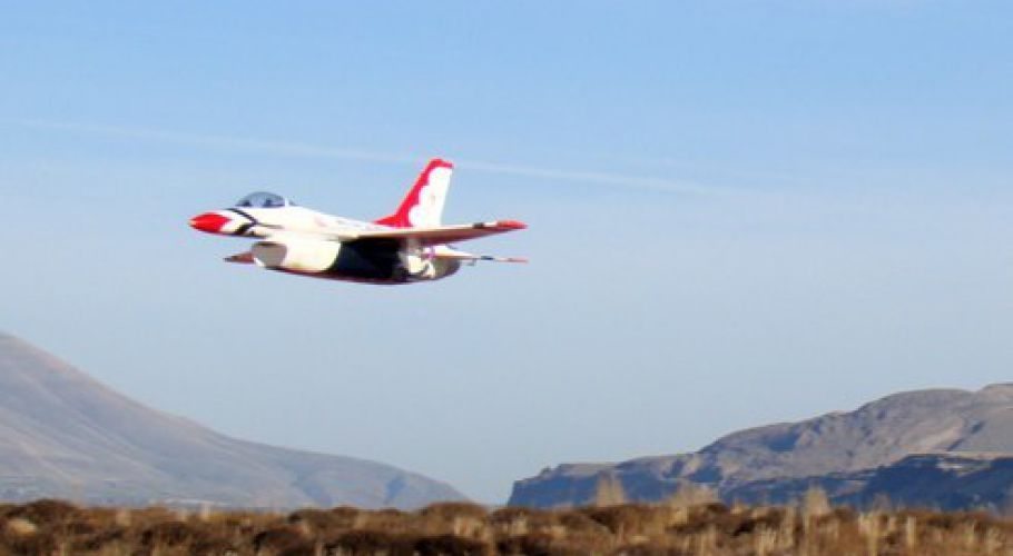 E-Flite F-16 on a Low Pass